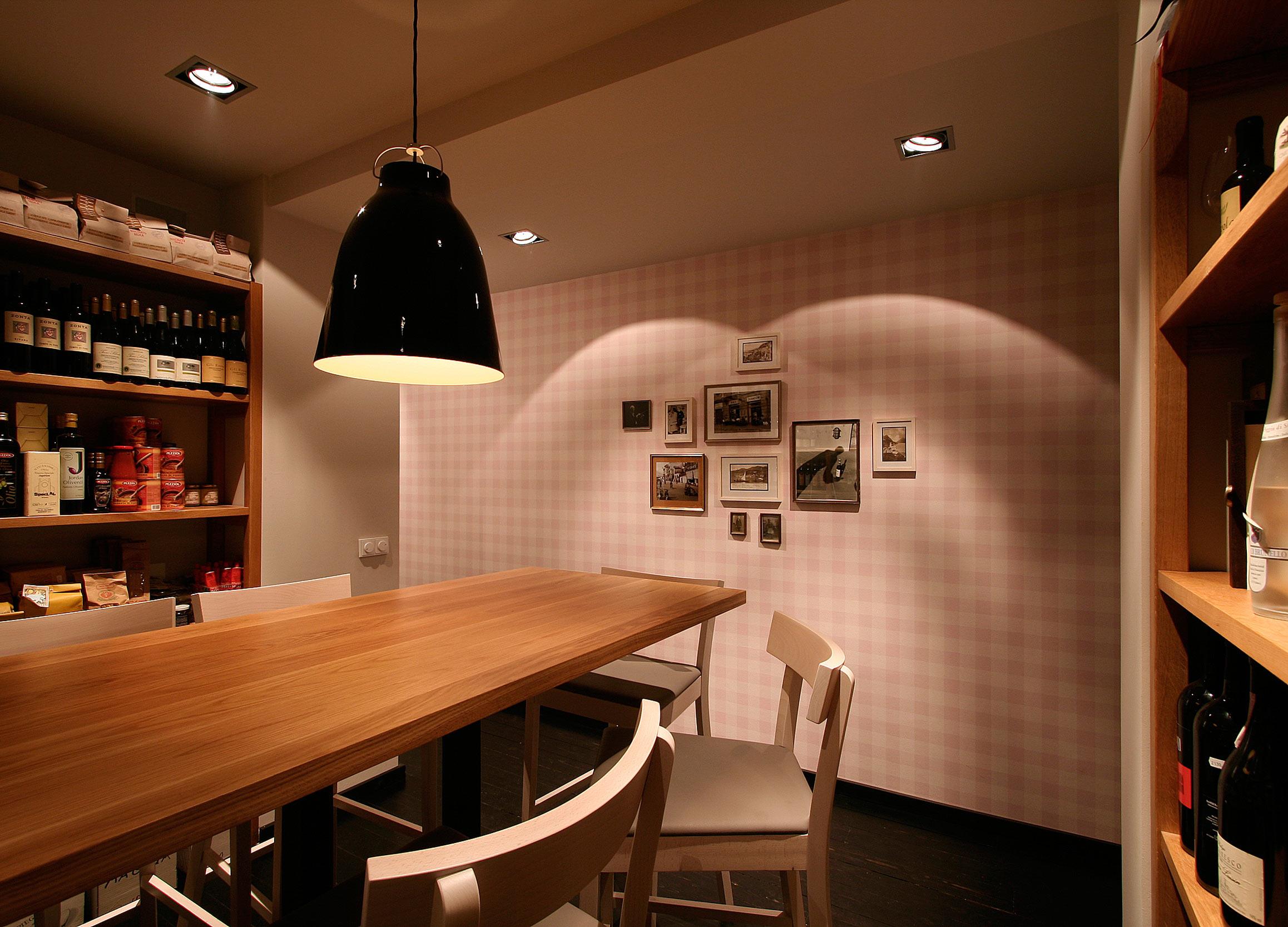 In der Vinothek finden Degustationen und Privatdinner statt