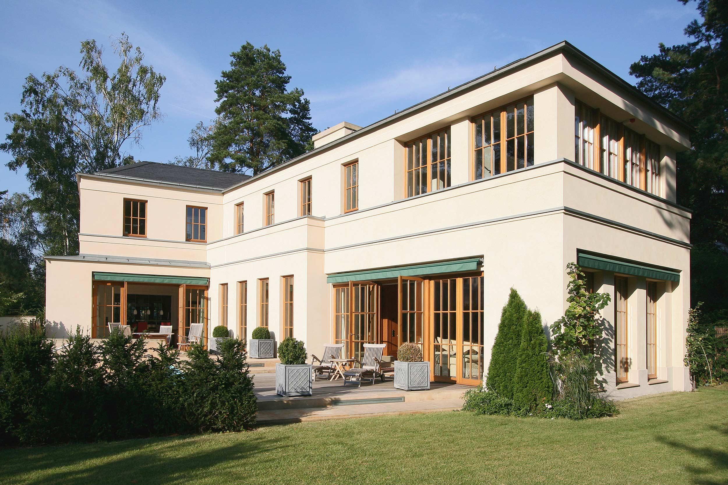 Die Gebäudeform gewährleistet optimales Sonnenlicht zu jeder Jahreszeit.