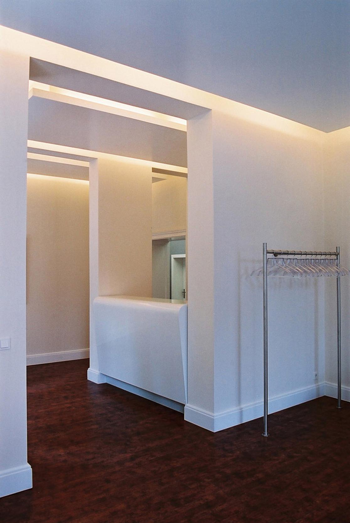 Der gesamte Innenausbau wiederspiegelt mit seiner klaren Struktur das minimalistische Designkonzept.