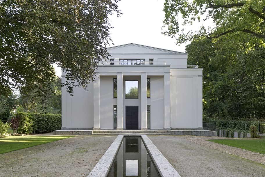 Himmel im Haus – Neubau Villa im neoklassizistischen Stil