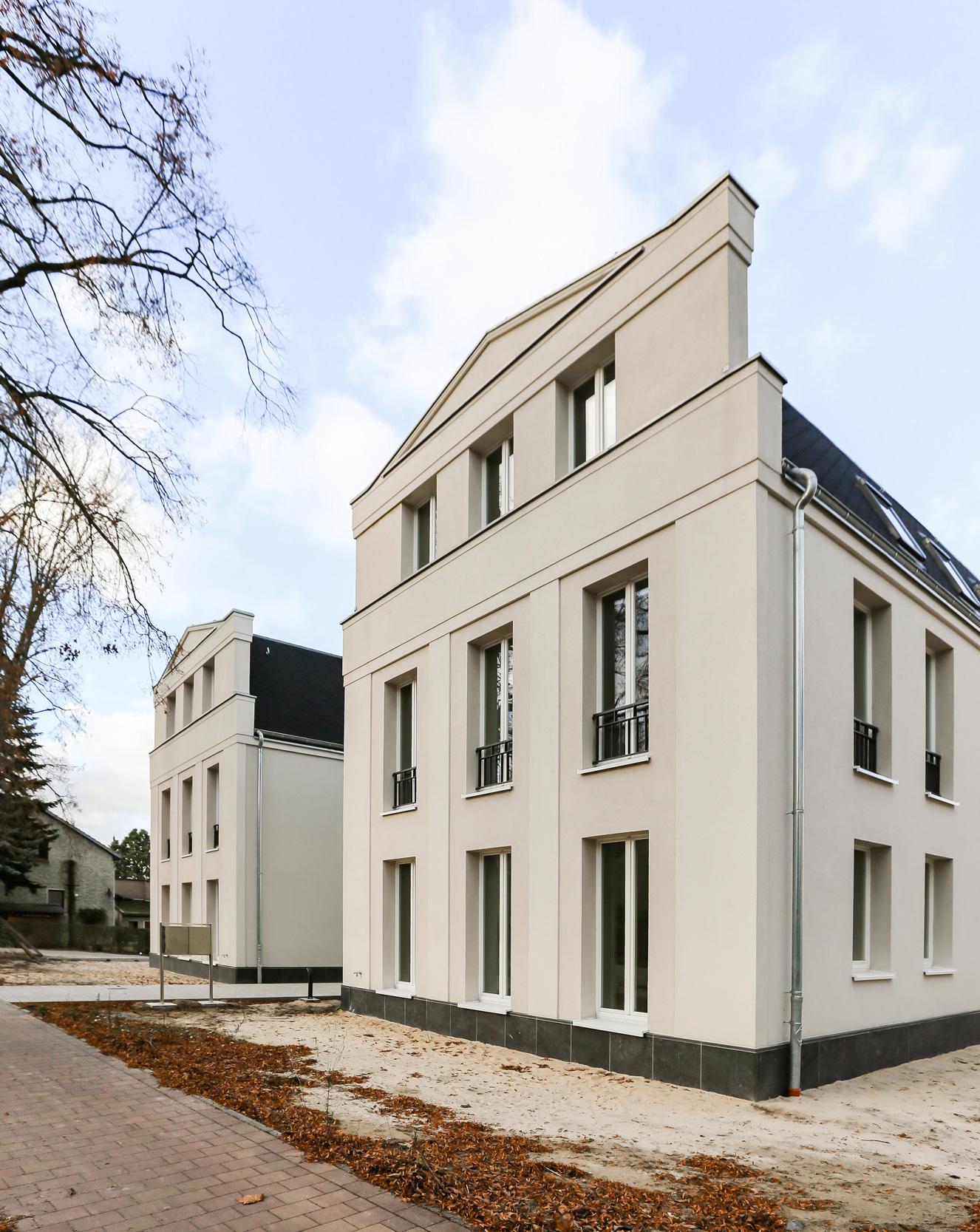 Neubau von Eigentumswohnungen im traditionellen Stil Berlin - Die hochwertige Architektur zeigt sich in der aufwendigen Fassadengestaltung.
