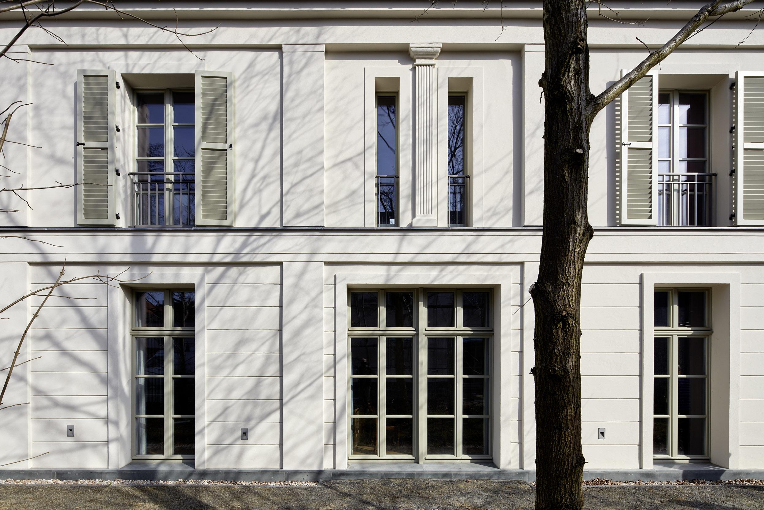 Struktur durch Pilaster und Lisenen - Villa in klassisch traditionellem Stil